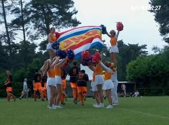voetballers onder de vlag.2.jpg