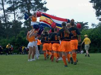 voetballers onder de vlag.jpg